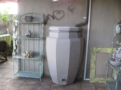 Patio Pot Rainsaver - Calcamite Tanks